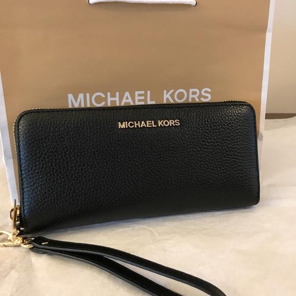 0c33331726e28c Michael Kors Bags | Jet Set Travel Continental Wallet | Poshmark